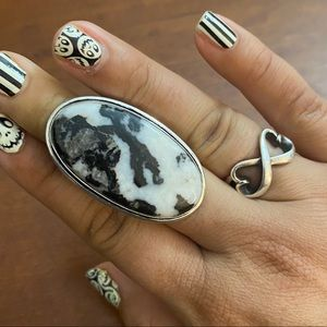 White Buffalo Turquoise Sterling wRing, 7, NEW